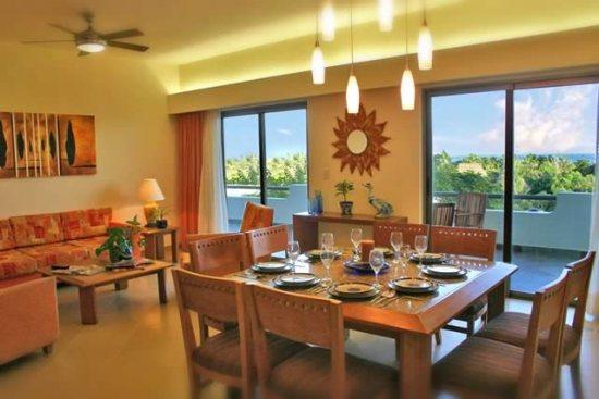 Riviera Maya suites living area