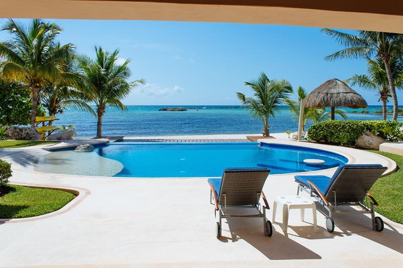 Beachfront Villa Bahia Nautica